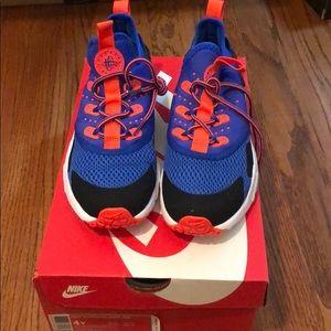 Brand new Nike Huarache Drift shoes